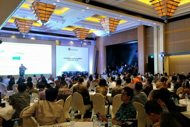 Acara Economic & Investment Outlook 2018 oleh PT Danareksa Investment Management (DIM) di Hotel Grand Hyatt, Jakarta, Rabu (17/1/2018).
