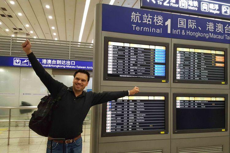Andrew Fisher pemecah rekor keliling dunia tercepat dengan hanya (Etihad Airwayd)
