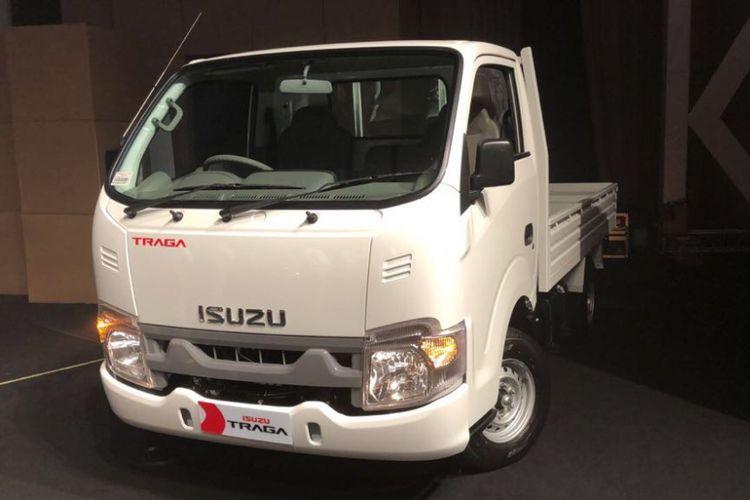 Pikap medium Isuzu Traga yang punya bodi open cargo dan box debut dunia di Jakarta, Senin (23/4/2018).