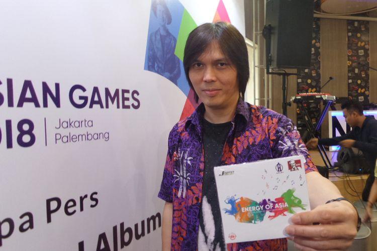 Once Mekel menghadiri peluncuran CD album Energy of Asia di kawasan Kemang Raya, Jakarta Selatan, Kamis (19/72018).