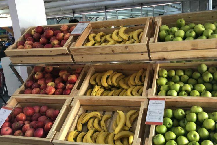 Buah buahan segar yang disajikan untuk para atlet di Dining Hall, Wisma Atlet Kemayoran.