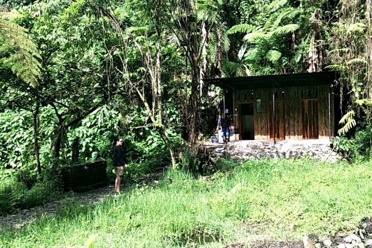 Fasilitas toilet di sekitar camping ground kawasan wisata Situ Gunung, Sukabumi, Jawa Barat.