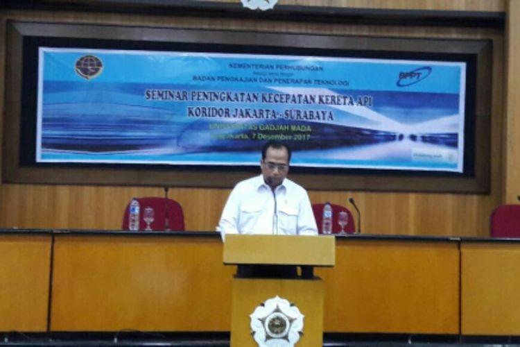 Menteri Perhubungan Budi Karya Sumadi saat Seminar Peningkatan Kecepatan Kereta Api Koridor Jakarta-Surabaya, di Gedung Pascasarjana UGM, Kamis (07/12/2017).