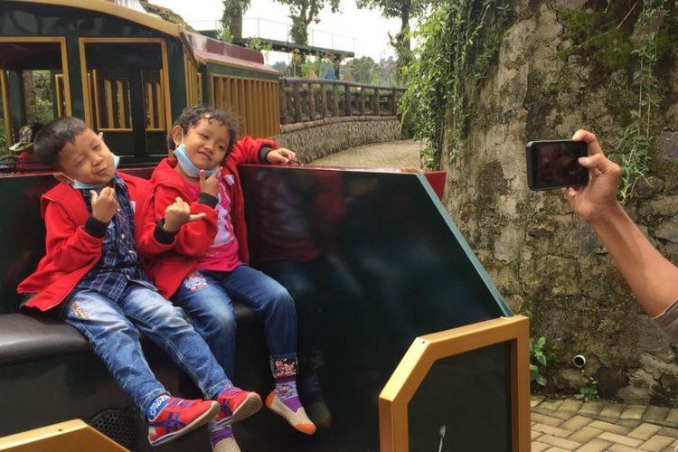Belasan anak kecil Rabu (7/2/2018) pagi silam mengikuti Cheerful Trip di Kota Mini, Pasar Apung di Lembang, Bandung Jawa Barat.
