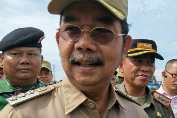 Wali Kota Jakarta Pusat Mangara Pardede, di jalan inspeksi Tanah Abang, Jakarta Pusat, Senin (13/11/2017).