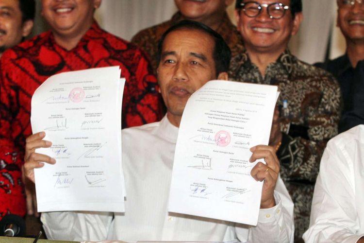 Presiden Joko Widodo mengumumkan Maaruf Amin sebagai pendampingnya damal pemilihan presiden 2018 didampingi pimpinan partai pengusung di Plataran Menteng, Jakarta Pusat, Kamis (9/8/2018) sore.