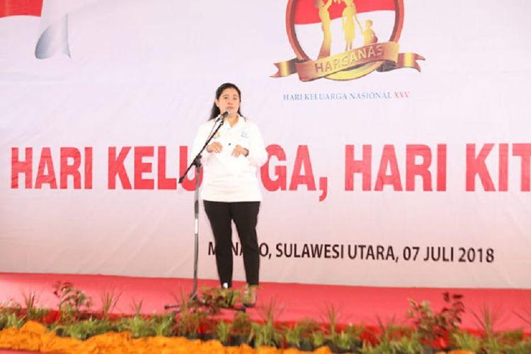 Menko PMK Puan Maharani menghadiri puncak peringatan Hari Keluarga Nasional (Harganas) XXV di Kota Manado, Sulawesi Utara, Sabtu (7/7/2018)