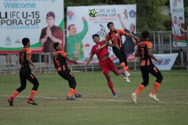 Bara FC sukses mengikuti langkah Timnas Pelajar yang melaju ke babak final Bali International Football Championship (IFC) U-15 Piala Menpora 2018, setelah menundukkan wakil Malaysia Felda United dengan skor 2-0, ketika berlangsung di stadion Beji Mandala, Pecatu, Badung, Bali, Jumat (7/12/2018).