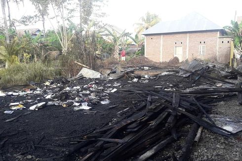 Studio Radio di Belakang Rumah Anggota DPRD Hangus Terbakar