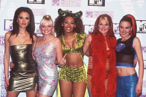 Victoria Beckham Menilai Busana Spice Girls Terlalu Minim