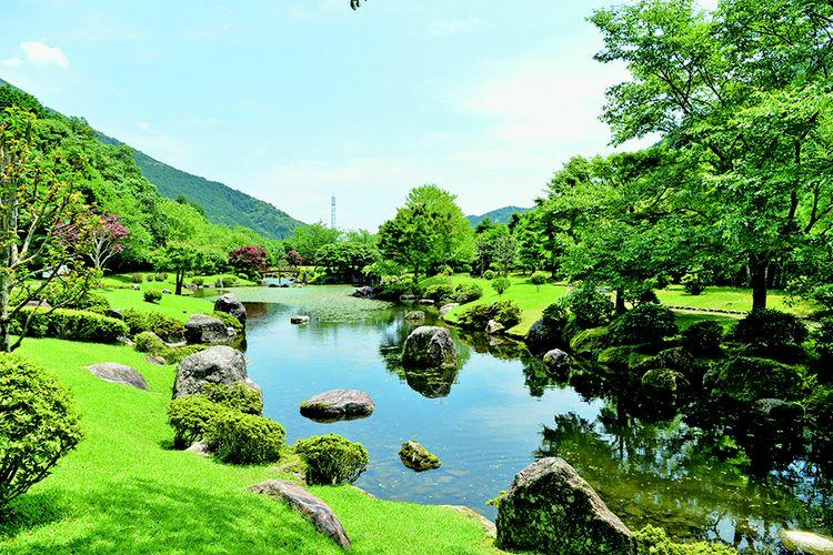Choshi-gawa adalah sungai yang mengalir di Kihoku-cho, salah satu kota di Prefektur Mie, Jepang, yang memiliki curah hujan yang signifikan.