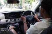 Saat Pemilik dan Sopirnya Tidak Paham Fitur Mercedes-Benz