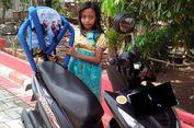 Bahaya Pasang Sandaran Anak di Motor, Kenapa?