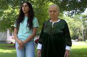 Nenek 87 Tahun Dilumpuhkan Polisi Saat Berniat Memotong Bunga
