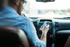 Di Negara Bagian Australia Ini, Pakai Ponsel saat Berkendara Bisa Didenda Rp 10 Juta