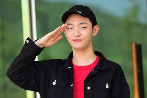 Beri Hormat kepada Penggemar, Yoon Jisung Berpamitan untuk Wajib Militer