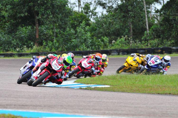 Pebalap Astra Honda Racing Team siap menyajikan balapan seru sebagai tuan rumah Asia Road Racing Championship di Sentul, Bogor, 12-13 Agustus 2017 mendatang.
