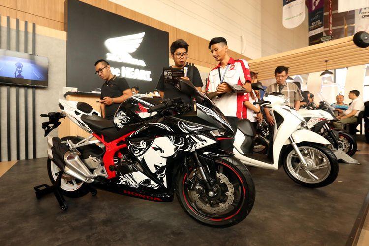 Honda CBR250RR jadi bintang pameran untuk AHM di GIIAS 2017.