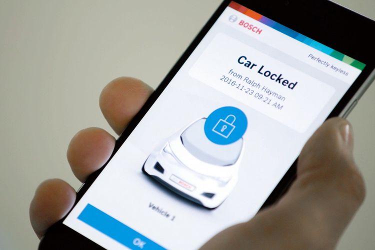 Smartphone bisa dialihfungskan sebagai kunci mobil.