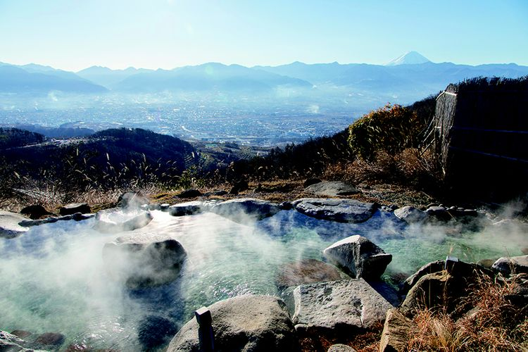 Terdapat dua pemadian di sini, Kocchi no Yu dengan pemandangan Gunung Fuji dari bagian depan dan Acchi no Yu dengan pemandangan Gunung Fuji dan Lembah Koufu.