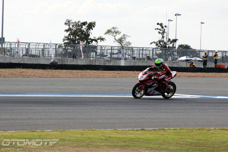 Pebalap Astra Honda Racing Team (AHRT) di Chang International Circuit, Buriram, Thailand, Jumat (1/12/2017).