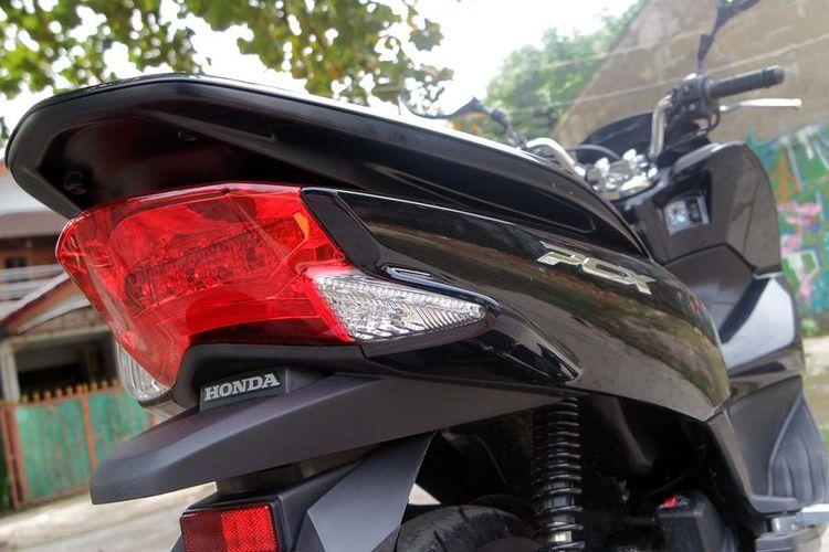 Behel Honda PCX 150.
