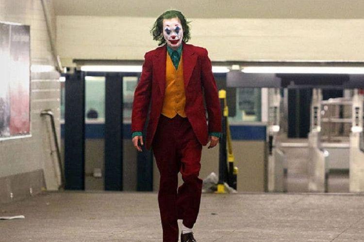 Aktor Joaquin Phoenix saat menjalani salah satu adegan film Joker di subway.