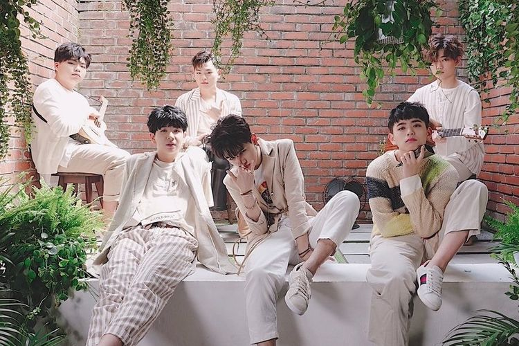 Grup band K-pop The East Light
