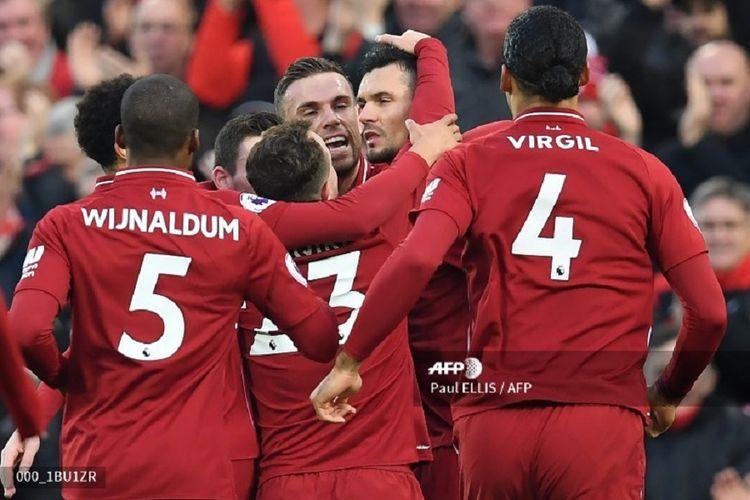 Para pemain Liverpool merayakan gol bersama Jordan Henderson dan beberapa pemain lain dalam laga Liverpool vs Newcastle United pada pertandingan pekan ke-19 Premier League Liga Inggris, 26 Desember 2018.