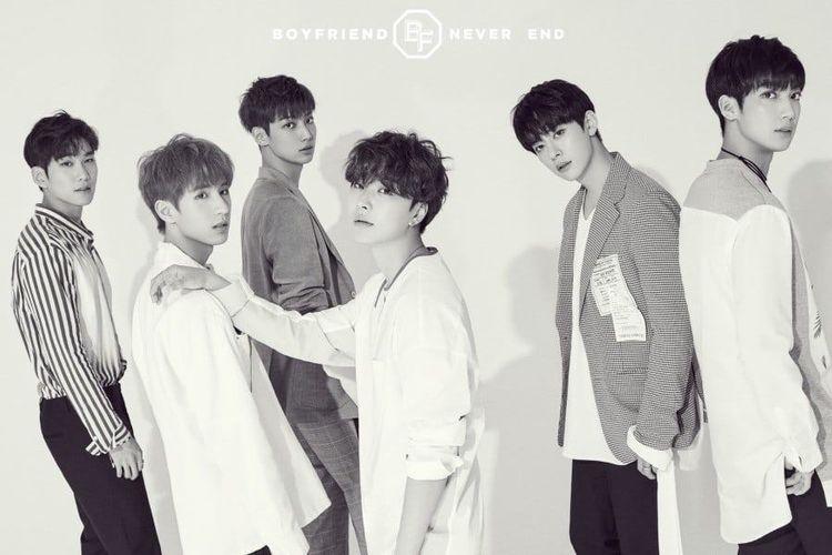 Boyband Boyfriend yang memutuskan bubar setelah delapan tahun berkarier di industri musik K-pop.