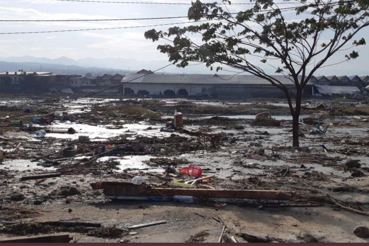 Suasana pemukiman yang rusak akibat gempa dan tsunami di Palu, Sulawesi Tengah , Sabtu (29/9). ANTARA FOTO/BNPB/pras/18.