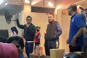 Ketum PAN dan Eko Patrio Bagi-bagi Hadiah di Acara Senam