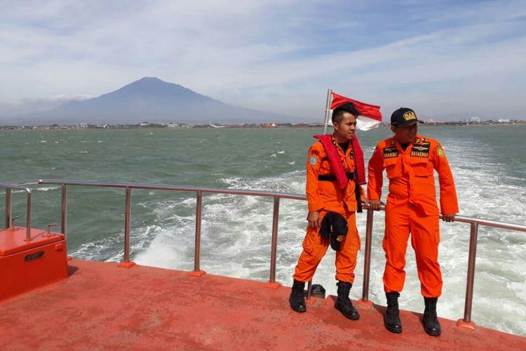 13 Orang Hilang Setelah Kapal Bunga Hati 2 Terbalik, Pencarian Terhambat Gelombang Tinggi