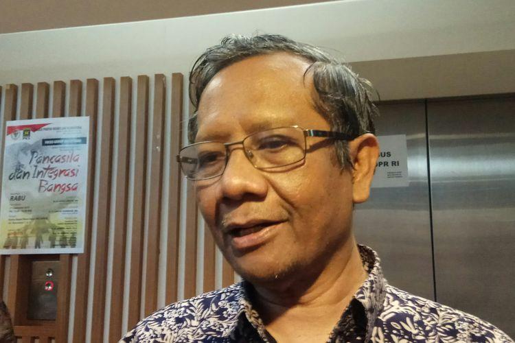 Mantan Ketua MK Mahfud MD Ketika Ditemui di Kompleks Parlemen DPR RI, Jakarta, Rabu (27/9/2017).
