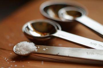 Makan garam terlalu banyak menyebabkan serangan jantung dan stroke dan sekarang juga diduga menyebabkan perubahan fungsi otak.
