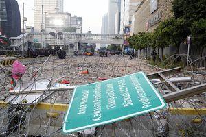 Polisi Sebut Perusuh Menjarah Peluru Tajam dari Mobil Brimob