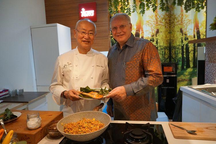 Pakar kuliner William Wongso (kiri) bersama Presiden Direktur TEKA Indonesia, Rami Kuwatly.