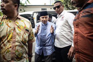 Amien Rais: Lucu, Enggak Ditawari Pak Jokowi Tapi Minta-minta...