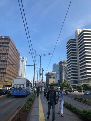 Langit biru di Jakarta tanggal 2 Januari 2019.