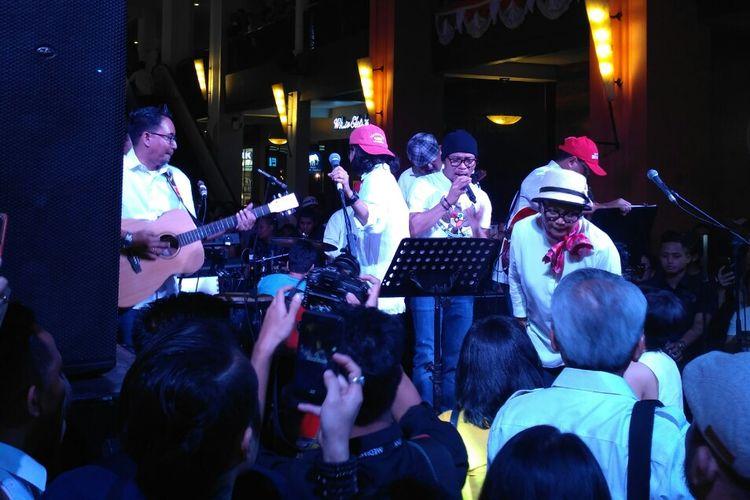 Dilelang untuk Korban Gempa Lombok, Gitar Menteri Budi Karya Laku Rp 200 Juta