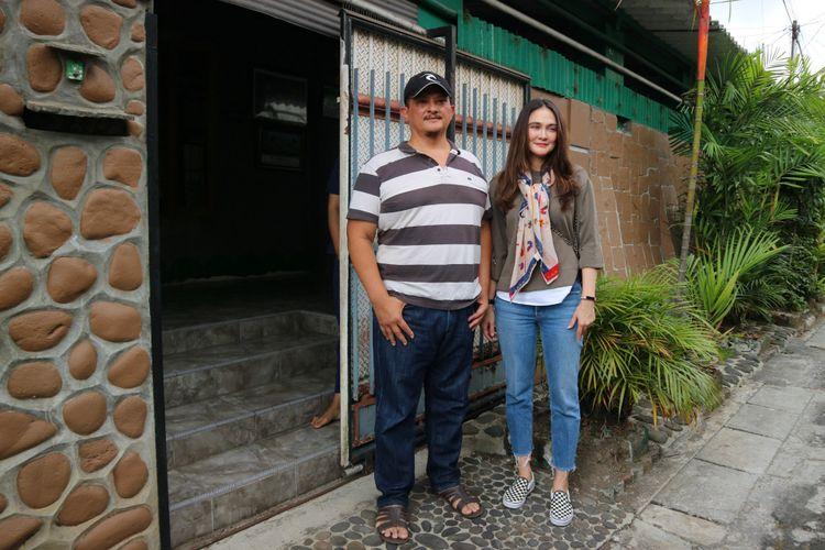 Artis peran Luna Maya diterima di rumah Suzzanna oleh Clift Sangra di Jalan Kebondalem II, Protobangsan, Magelang Utara, Jawa Tengah, Sabtu (13/10/2018).