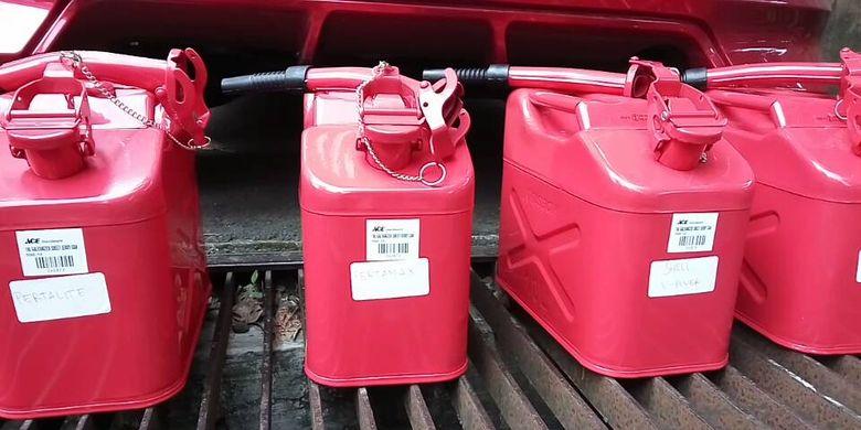 Jeriken yang digunakan untuk bensin cadangan