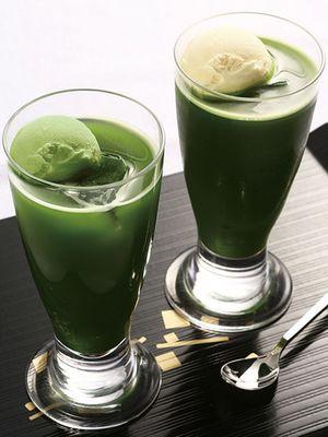 """Green Tea Float"" (580 yen per item) / Itohkyuemon-honten/sabo"