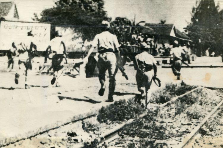 Pemberontakan di surabaya sebagai reaksi ultimatum brigjen Malaby dari tentara Inggris pada tgl. 10 November 1945