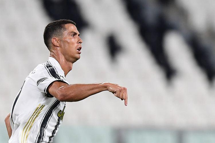 Cristiano Ronaldo melakukan selebrasi usai mencetak gol keduanya pada laga Juventus vs Lyon di Stadion Allianz, Jumat (7/8/2020) atau Sabtu dini hari WIB.