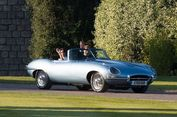 Pangeran Harry Kendarai Mobil Rp 6,6 Miliar di Hari Pernikahannya