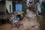 Rumahnya Roboh Diterjang Banjir Bandang di Cicaheum Bandung, Warga Kebingungan