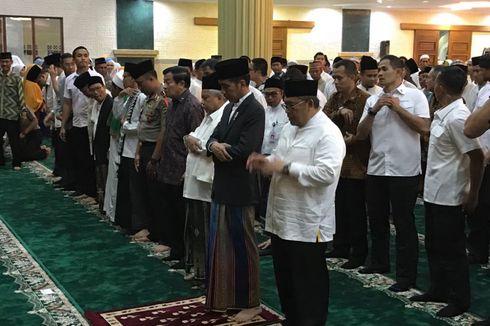 Jokowi Shalat Tarawih di Masjid Islamic Center Indramayu