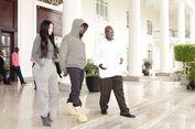 Kanye West Berikan Yeezy ke Anak-Anak Uganda