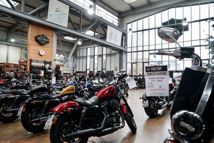 Rombongan Suryanation Motorland kunjungi Harley Davidson Factory di Frankfurt.